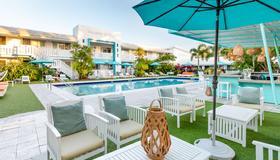 The Vagabond Hotel - Miami - Pileta