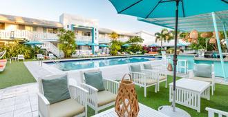The Vagabond Hotel - מיאמי - בריכה