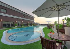 Royal Ascot Hotel - Dubai - Pool
