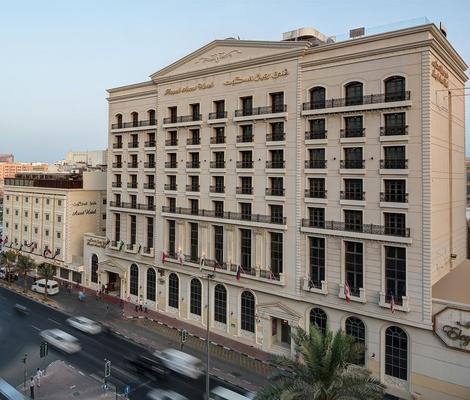 Royal Ascot Hotel - Dubai - Building