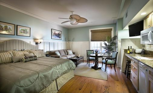 The Inlet Sports Lodge - Murrells Inlet - Schlafzimmer