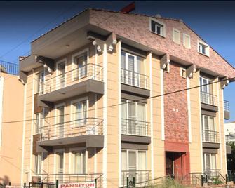 Uc Kardes Pansiyon - Gelibolu - Building