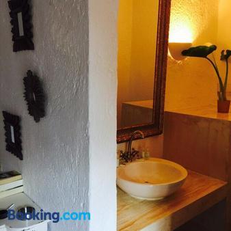 Porto Maltese Boutique Estate - Agios Nikolaos - Bathroom