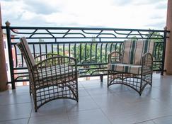 Red Sox Hotel - Kampala - Balcony