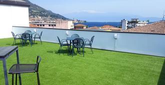 Lake Garda Hostel - Salò - Balcony