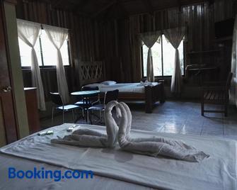 Hotel Rancho Las Cabañas - Guapiles - Bedroom