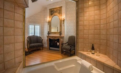 The Bergson - Calistoga - Bathroom