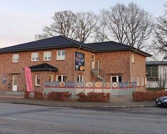 Motel am Outletcenter - Neumünster - Gebäude