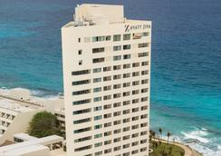 Hyatt Ziva Cancun - Cancún - Building