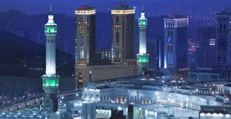 Hilton Makkah Convention Hotel - Mecca - Outdoor view