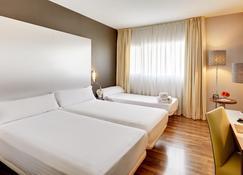 Hotel Sercotel Jc1 Murcia - Murcia - Schlafzimmer