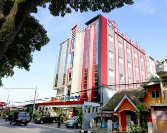 Citihub Hotel @Jagoan Magelang - Magelang - Gebouw