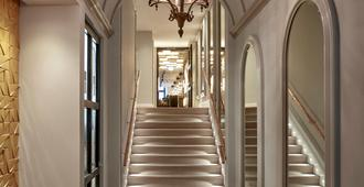 Sir Nikolai Hotel - Hampuri - Portaat