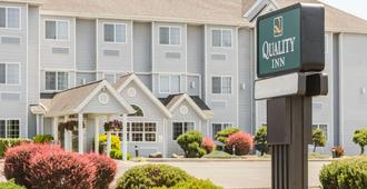 Quality Inn - Seaside - Building