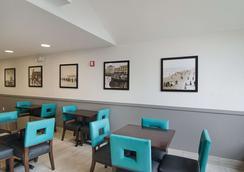 Quality Inn - Seaside - Restaurant