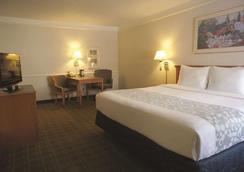 La Quinta Inn Austin University Area - Austin - Bedroom