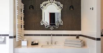 Continental Hotel - Reims - Bathroom