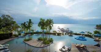 Montigo Resorts Nongsa - Batam - Pool