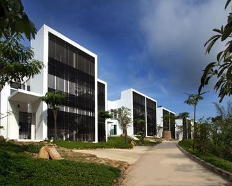 Montigo Resorts Nongsa - Batam - Building