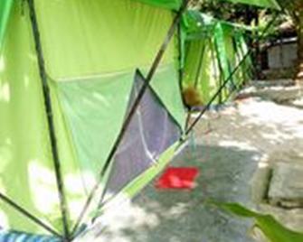 Koh Ngai Camping Restaurant - Ko Ngai - Outdoor view