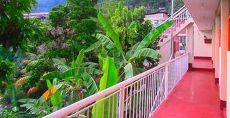 Lucas Hotel - La Merced - Balcony
