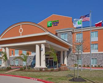 Holiday Inn Express Hotel & Suites Clute-Lake Jackson - Clute - Building