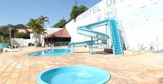 Hotel Opala - Aguas de Lindoia - Zwembad