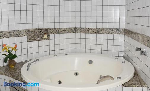 Hotel Don Juan - Salvador - Bathroom