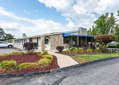 Motel 6 Mansfield Oh - Mansfield - Building