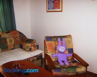 Feszek Apartmanhaz - Vonyarcvashegy - Living room