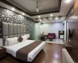 Hotel Narula's Aurrum - Amritsar - Bedroom