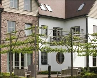 Biznis Hotel - Brouwershof - Lokeren - Gebouw