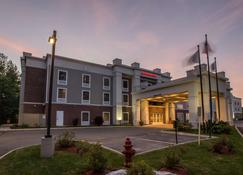 Hampton Inn & Suites Berkshires-Lenox - Lenox - Bâtiment