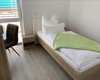 Twt Motel - Triptis - Schlafzimmer