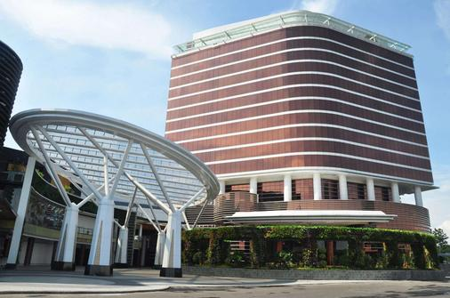 The Trans Luxury Hotel Bandung - Bandung - Building