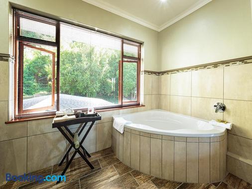 Wilderness Manor - Wilderness - Bathroom