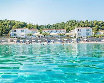 Xenios Dolphin Beach Hotel - Posidi - Outdoor view