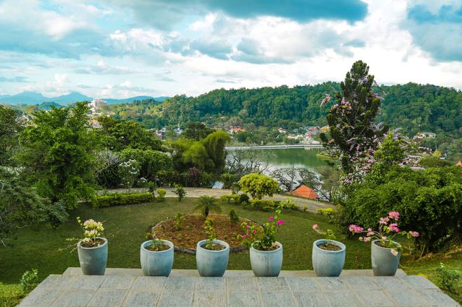 Castle Hill Bungalow - Kandy - Outdoor view