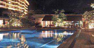 Taj Samudra - Colombo - Bể bơi