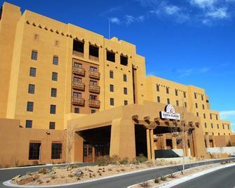 Santa Claran Hotel - Española - Building