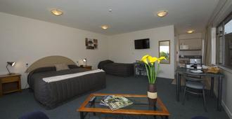 Lake Point Motel - Hamilton - Bedroom