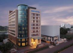 Novotel Lucknow Gomti Nagar - Lucknow - Edificio