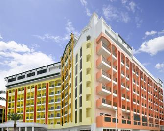 Lequ Okinawa Chatan Spa and Resort - Chatan - Gebäude