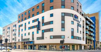 Travelodge London Greenwich - London - Building