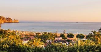 Aysev Hotel - Alanya - Outdoors view