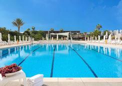 Dan Accadia Hotel - Herzliya - Piscina