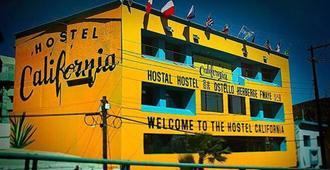 Hostel California - Tijuana - Building