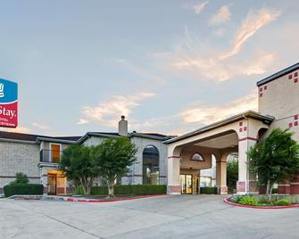SureStay Plus Hotel by Best Western San Antonio Airport - San Antonio - Building