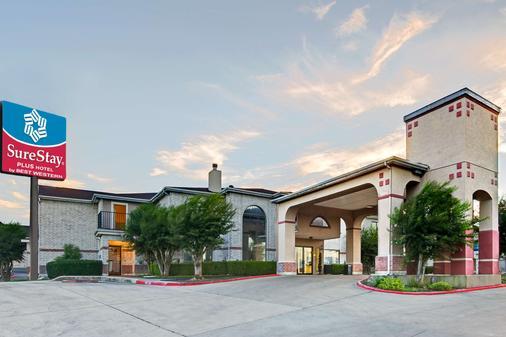 SureStay Plus Hotel by Best Western San Antonio Airport - San Antonio - Rakennus