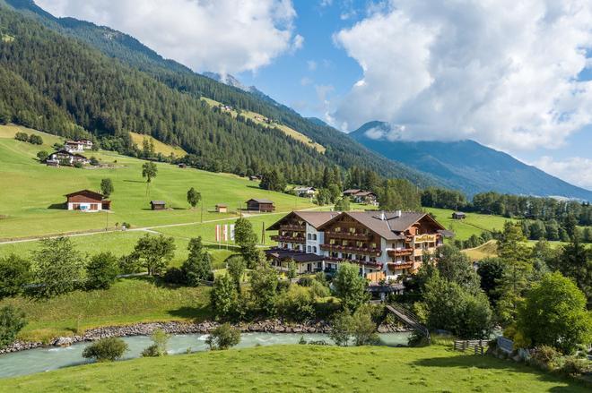 Hotel Rastbichlhof - Neustift im Stubaital - Rakennus